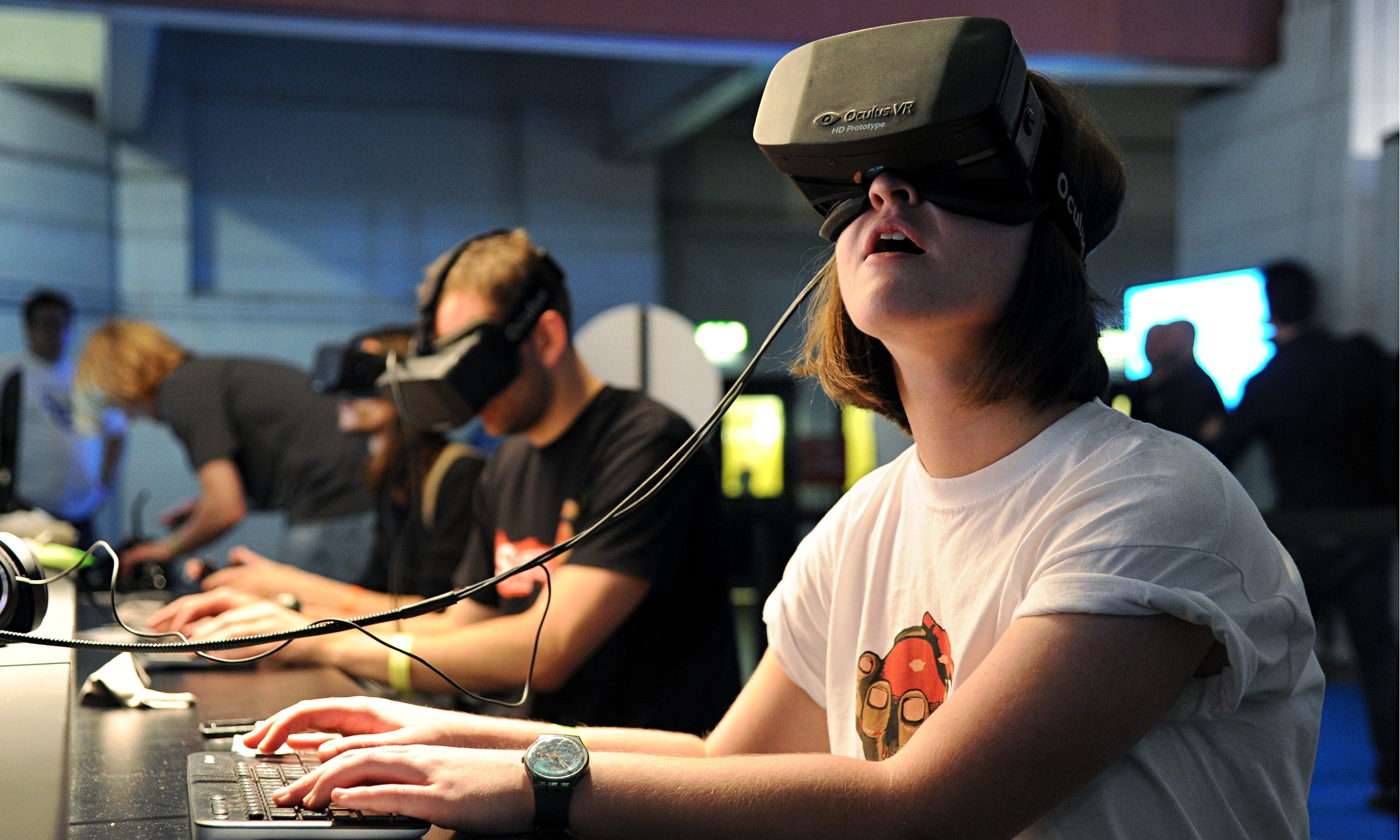 http://www.doyugames.com/blog/images/The-Oculus-Rift-headset-i-012.jpg